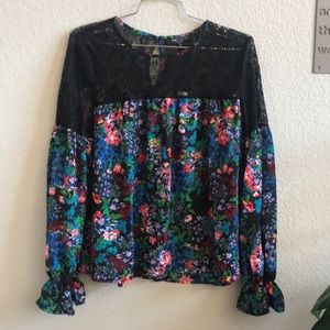 Romeo+ Juliet Floral and Lace Long Sleeve Blouse M